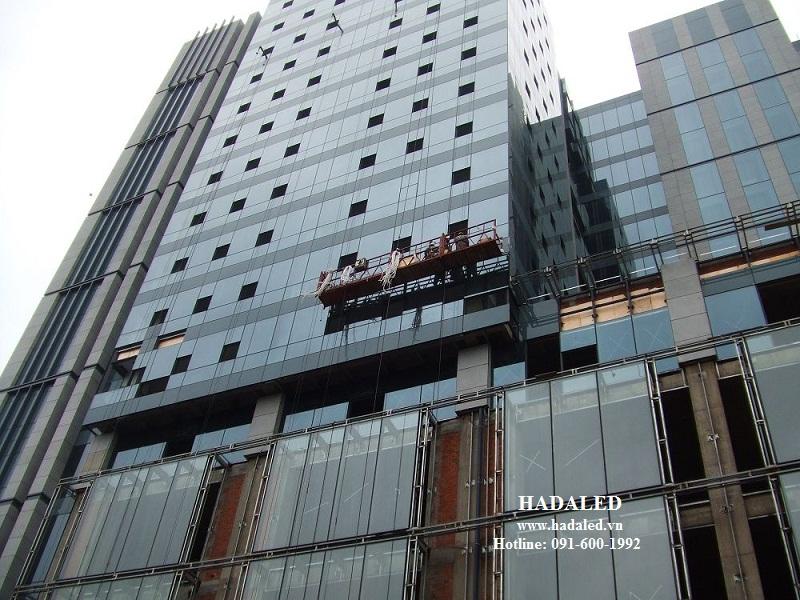 thi công led trang trí tòa nhà