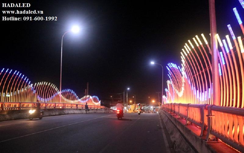 đèn led chiếu sáng trang trí cầu đường
